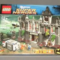 Lego Super Heroes 10937 Batman : Arkham Asylum