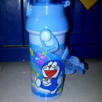 Botol Minum Tali Doraemon