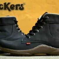 kickers fiyu black