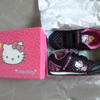 sepatu hitam Hello Kitty pink Sanrio sz.29