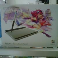 Wacom Intuos Manga Pen & Touch CTH480S. Pen Tablet Alat Desain Grafis penerus Wacom Bamboo. Membuat desain pada PC dan Mac seper
