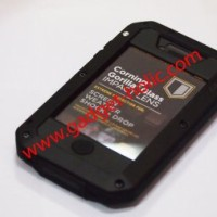 Lunatik Taktik Strike Extreme Iphone 4/4s Black