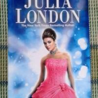 Novel Beauty Queen (Pesona Sang Pengacara) - Julia