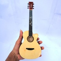 Miniatur Gitar Accoustic Lakewood Sunghajung Signature