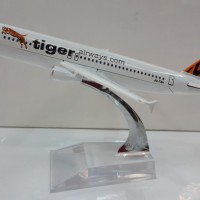 TIGER Airways Pesawat Terbang Full Diecast ( PT027 )
