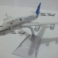 Diecast Miniatur Replika Pesawat Garuda Indonesia