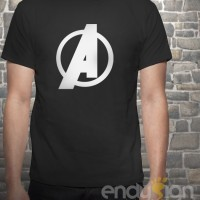 Kaos Superhero - Logo Avenger