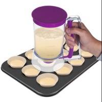 Cupcakes batter dispenser