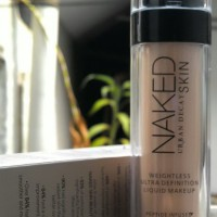 Naked Urban Decay Skin Weightless Ultra Definition Liquid Makeup/ Make up Naked Foundation No.01 / nomor 1