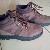 Sepatu Gunung Tampomas 036