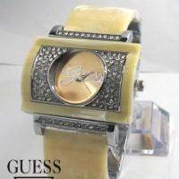 Guess Bangle W200 (Gading Silver)