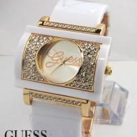 Guess Bangle W200 (Putih Gold)