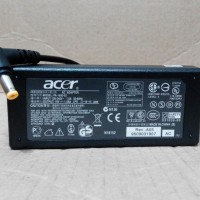 charger / adaptor netbook Acer Aspire One / acer mini (ouput: 19v-1.58