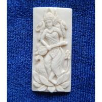 Liontin Tulang Motif Dewi Saraswati