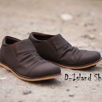 Sepatu D-Island Slop Coklat Tua
