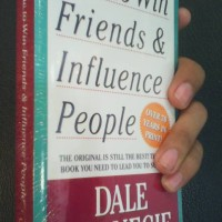 HOW TO WIN FRIENDS & INFLUENCE PEOPLE (MM) [English Version]