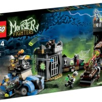LEGO 9466 MONSTER FIGHTERS The Crazy Scientist & His Monster