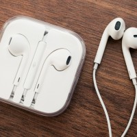 APPLE Earpods Original ,new headset for iPhone 5