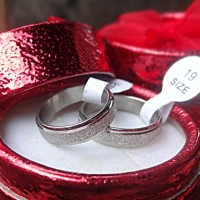 cincin couple titanium pasir, cincin couple untuk valentine