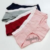 celana dalam wanita (underwear pakaian dalam perempuan)