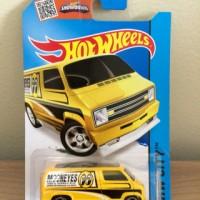 Hot Wheels Custom '77 Dodge Van Mooneyes