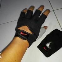 Sarung Tangan Fitness Gym Nike Men Women New Edition BNIB