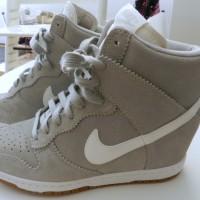 Sneaker Wedges Nike Sky High Dunk Cream