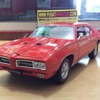 1969 PONTIAC GTO (MERAH) - SKALA 1:24 - WELLY (DIECAST-MINIATUR)