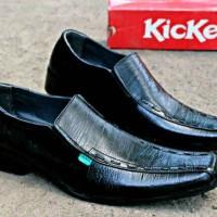Kickers pantofel kulit asli