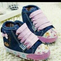 harga Sepatu Prewalker Bayi Perempuan Gap Semiboot Denim Biru Tali Pink Tokopedia.com