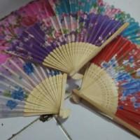 harga Souvenir Kipas Motif Bunga Jepang Gagang Bambu Tokopedia.com