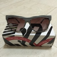 Electric Visual Caffeine Houndstooth / Brown Gradient Sunglasses