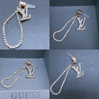 harga LV louis vuitton  jewelry pluggy / dustplug /  gantungan handphone Tokopedia.com