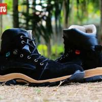Grosir sepatu kickers new black