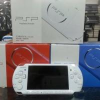 PSP 3000 SONY + MC 8GB GAMEE