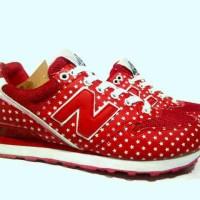 Sepatu Olahraga Wanita Murah NB