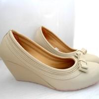 Sepatu Wanita Wedges Sarah Azhari Hak 7cm