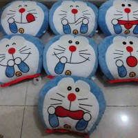 Bantal Muka Emo Doraemon