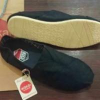 harga Wakai shoes Black, sepatu slop pria, sepatu santai pria, sepatu wakai Tokopedia.com