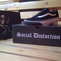 sepatu vans old skool social distortion black icc