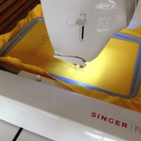 Singer Futura XL 400 Mesin Jahit Bordir Komputer Portable / XL400