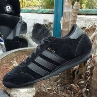 sepatu adidas xl-72 man full hitam ~ size 39-44 ~ made in vietnam