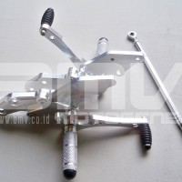 FOOTSTEP DEPAN / UNDERBONE VIXION NEW (LIGHTING / ADVANCE) CNC SILVER