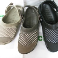 Sandal Sepatu Crocs Yukon Woven