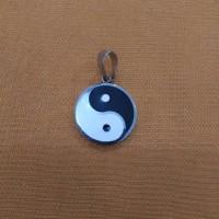 Liontin Yin & Yang