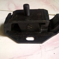 harga ENGINE MOUNTING SUZUKI ST20 Tokopedia.com
