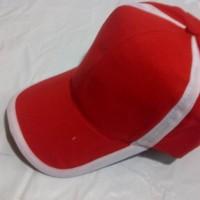 topi polos merah lis putih (petronas)