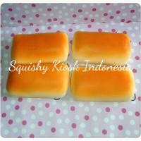 Butter Cheese Bread Squishy (keychain/mainan)