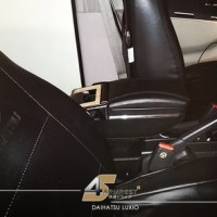 Armrest Universal Mobil Daihatsu Luxio