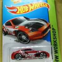 HOT WHEELS - B0044 - NISSAN 370Z - MERAH